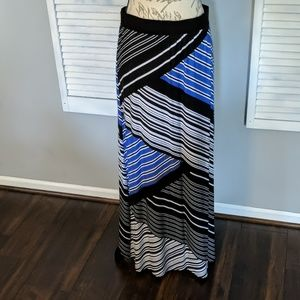 Chicos black and blue maxi pull on skirt size m/8